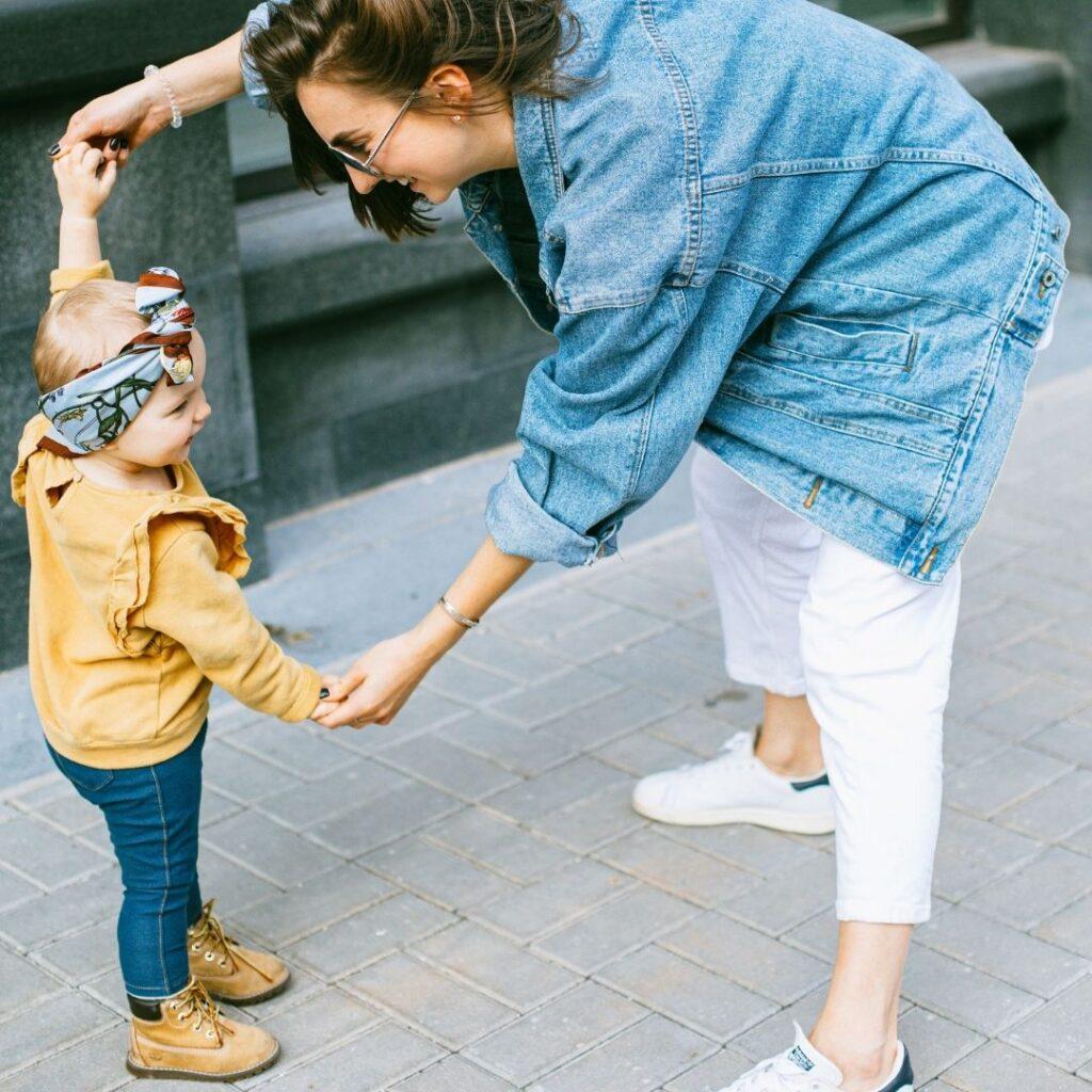 Stimolare il linguaggio dei bambini: canzoncine e filastrocche